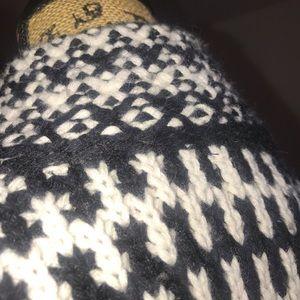 Cynthia Rowley Jackets & Coats - Cynthia Rowley crocheted lambs wool overcoat